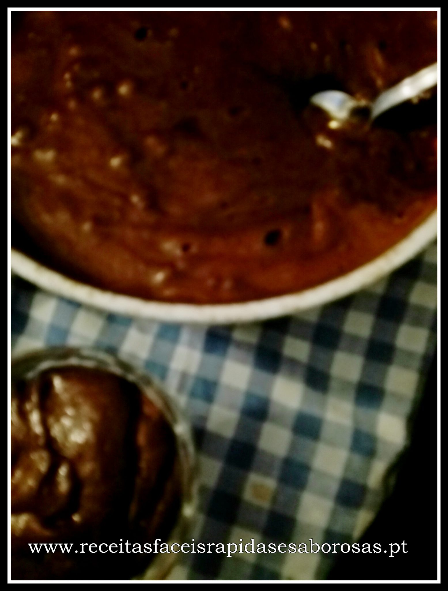 Mousse de chocolate espessa